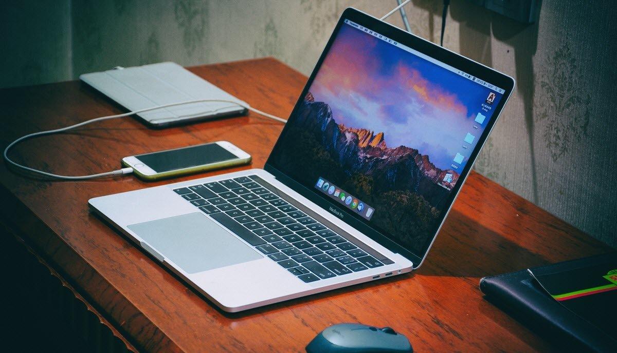 Best Hardshell Cases for MacBook Pro 2020